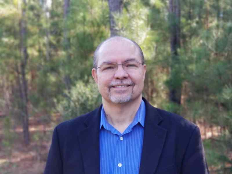 José Santiago: Conozca al latino que se postula para el Distrito 35 del Senado estatal