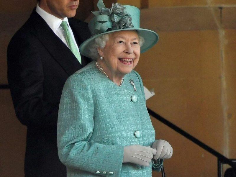 reina Isabel II y sus 70 años