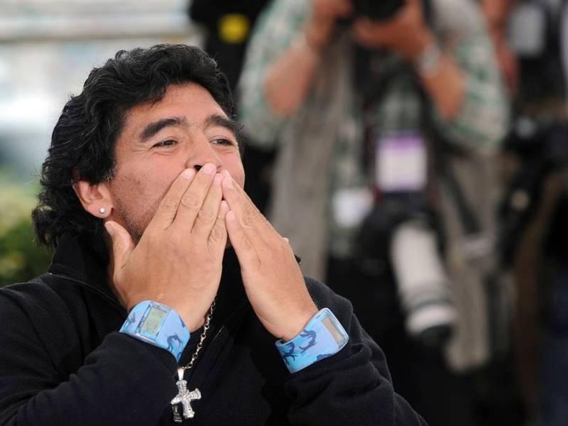 Amigo Maradona Embriagaban