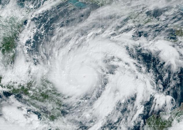 Huracán Eta, ya es categoría 4: Centroamérica se prepara para su impacto