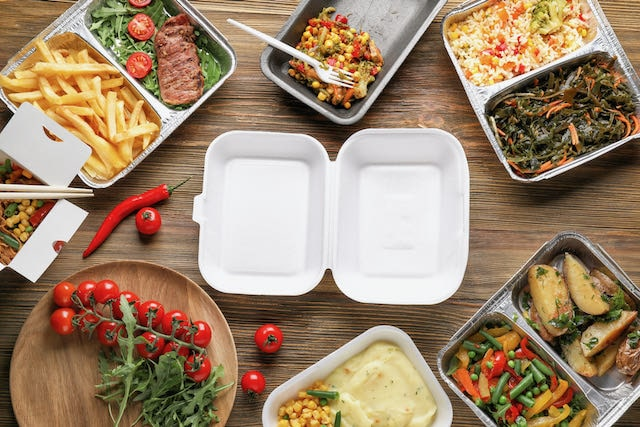 Familias de NC están planeando servir comida en cajas para Día Acción de Gracias