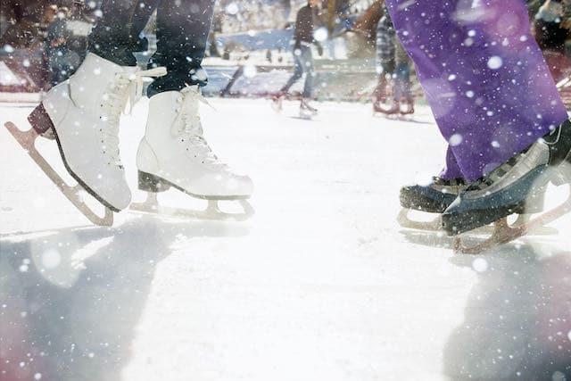 Patinaje sobre hielo y luces en el Centro Nacional de Whitewater