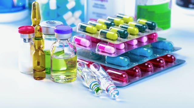 El FTC advierte a compañías que dejen de promocionar tratamientos y curas falsos para el COVID