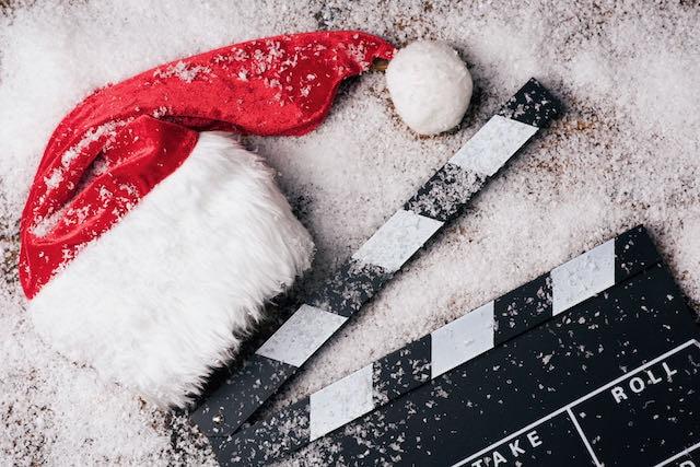 El mejor trabajo para las fiestas: recibe un pago de $2,500 para ver 25 películas navideñas en 25 días
