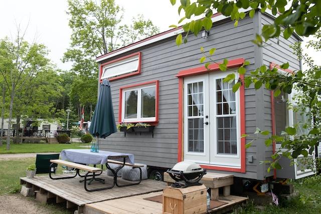 Iglesia de Spartanburg planea construir casas para mujeres sin hogar
