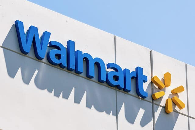 Demandan a Walmart por su papel en la crisis de los opioides