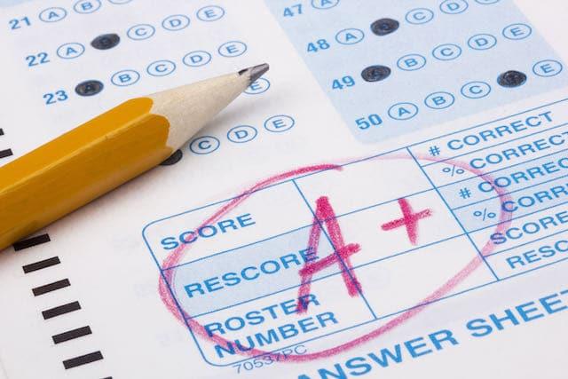 Escuelas de Durham otorga calificación de 'A' a todos sus estudiantes