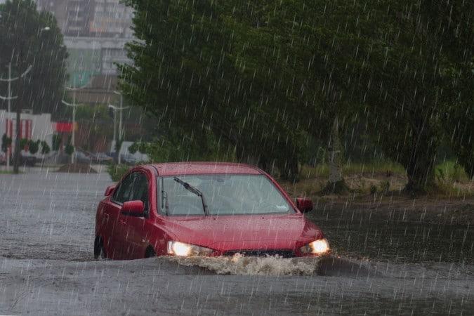 Gobernador Cooper firma declaración estatal de desastre después de la tormenta tropical Eta