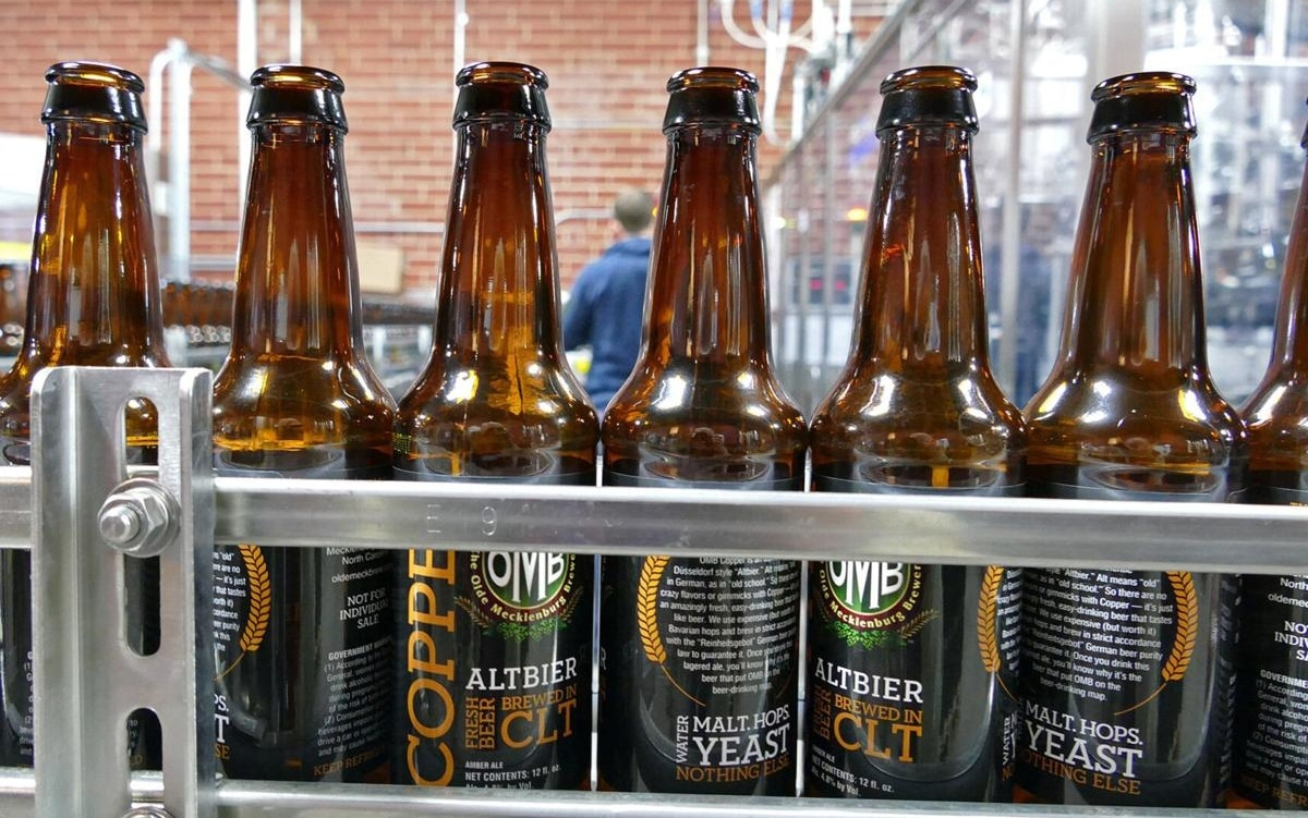 Cervecería en Charlotte cierra por COVID-19