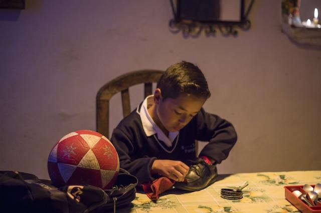 """""""3 Pies"""", el cortometraje que muestra los desafíos de los niños latinos"""