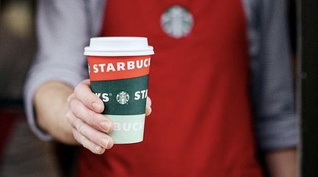 Starbucks regala café gratis en diciembre a los trabajadores de primera línea