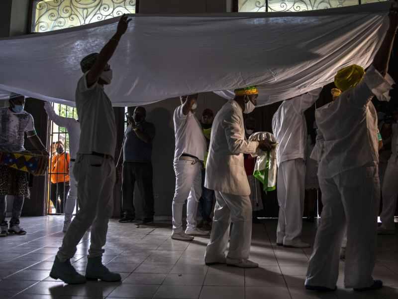 santeros-cubanos-predicciones-pandemia