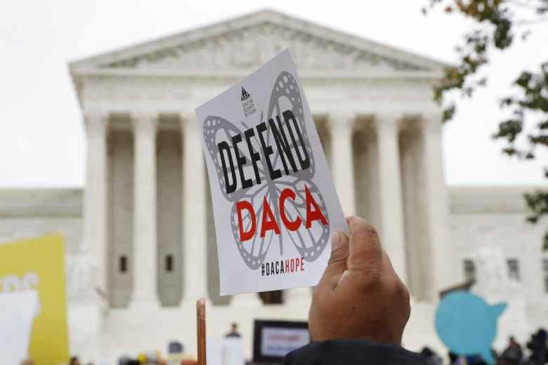Aprueban primeras solicitudes de DACA