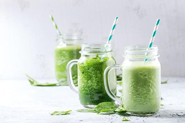 5 licuados verdes que ayudan con la reducción de peso