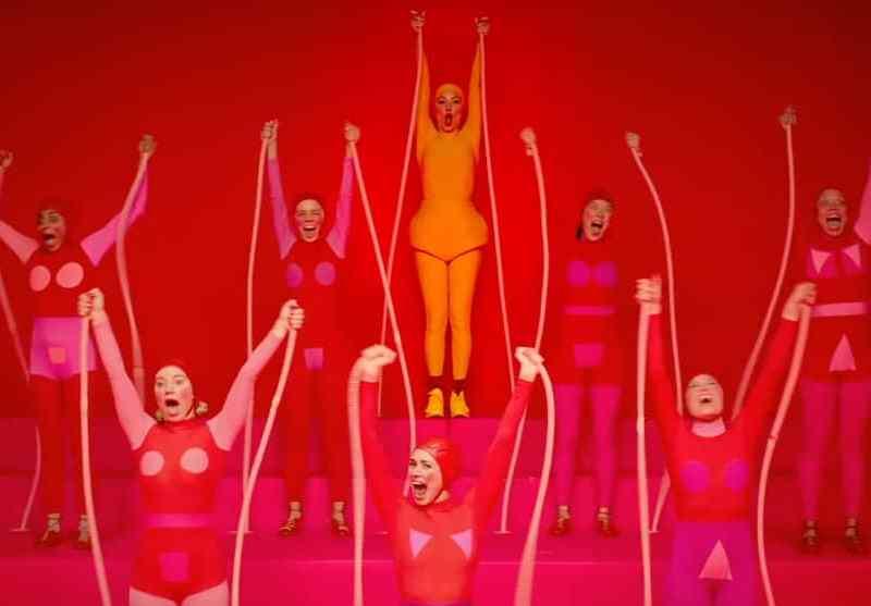 """Sia lanza nuevo trailer de """"Music"""", la película que ella dirigió"""