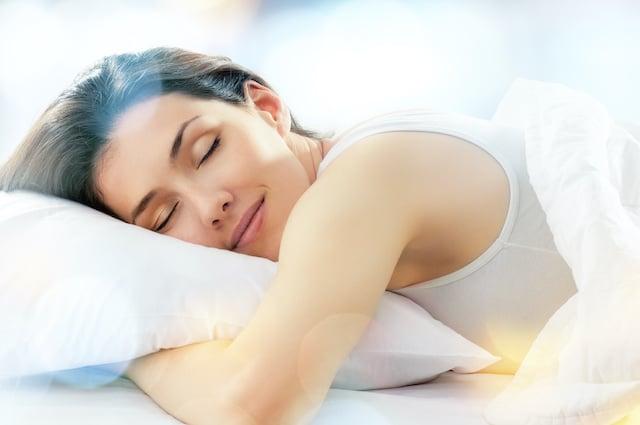 Estos aceites esenciales te ayudarán a conciliar el sueño
