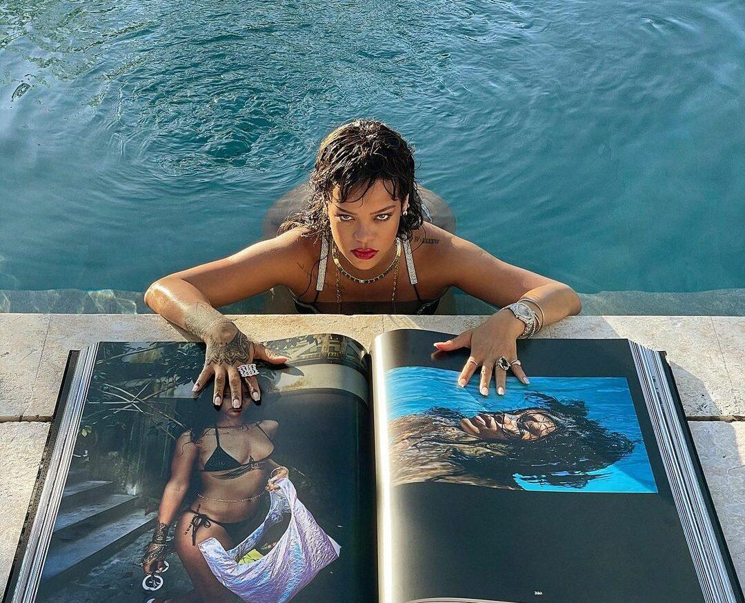 rihanna bikini libro