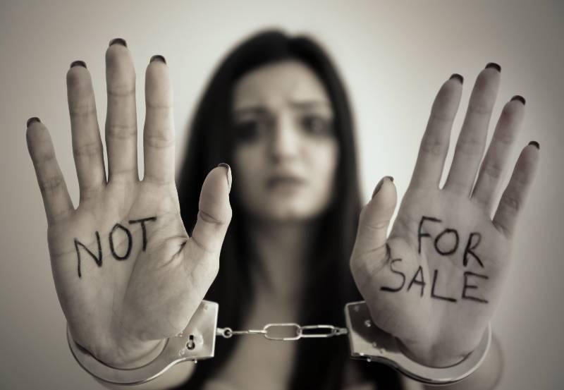 adolescente-de-15-anos-denuncia-a-su-padre-que-planeaba-venderla-a-un-sugar-daddy