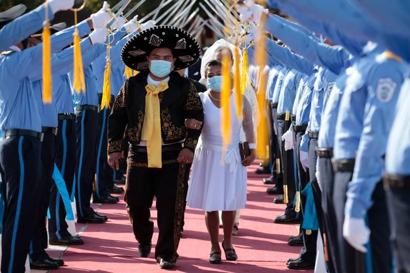 reto-al-covid-400-parejas-se-casan-en-boda-masiva-en-nicaragua