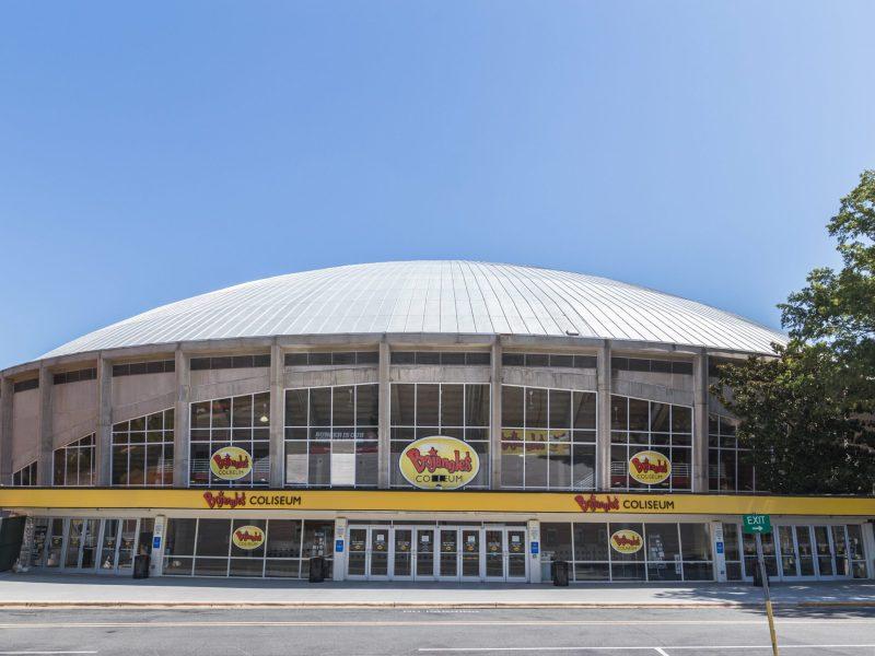 Vacunas COVID-19 en el Bojangles Coliseum de Charlotte hasta finales de junio