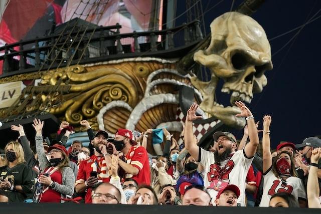 Surge preocupación de contagios después de celebraciones por el Super Bowl