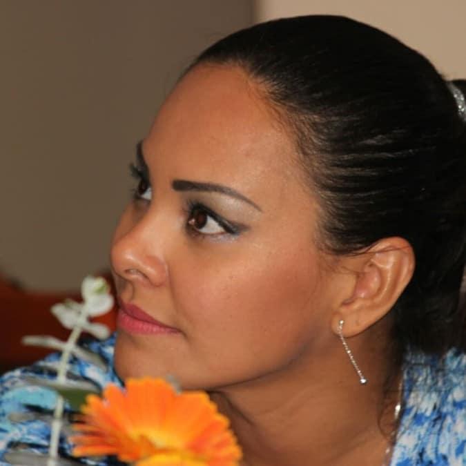 Encontrarás Tu Historia Aquí: Poeta latina ayuda a contar las historias de los demás