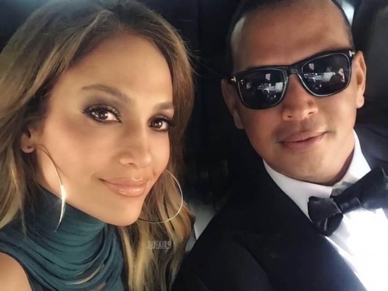 Lo reaparece con Alex Rodríguez después de los rumores de infidelidad