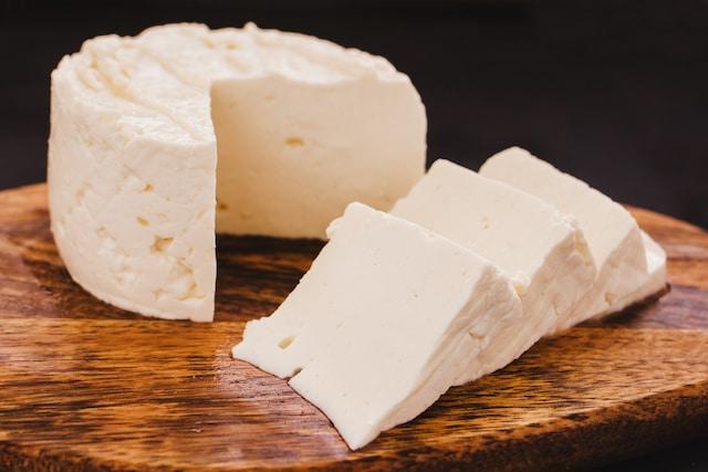 Se reporta brote de Listeria en quesos frescos en Carolina del Norte