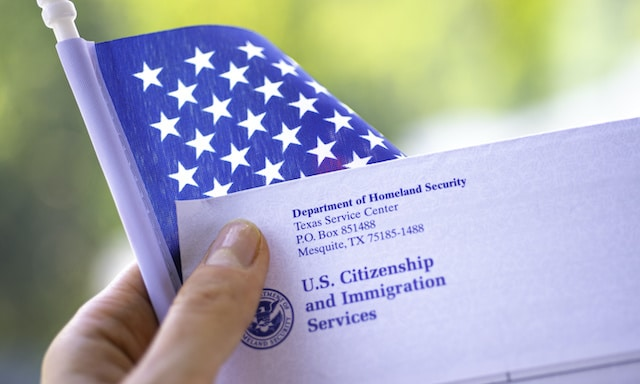 USCIS: Examen de ciudadanía regresa a su versión más fácil
