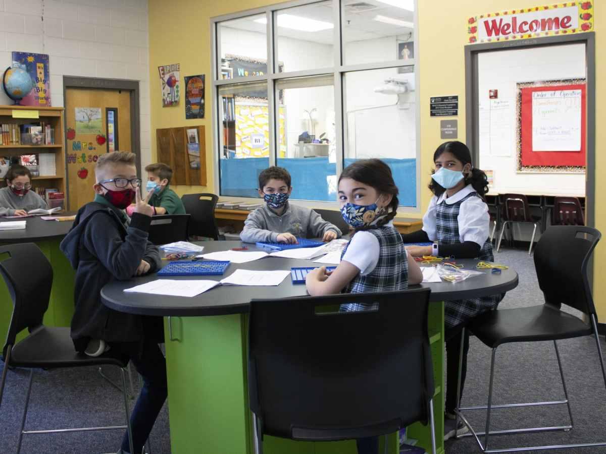 escuela católica manejó con éxito las clases presenciales en la pandemia