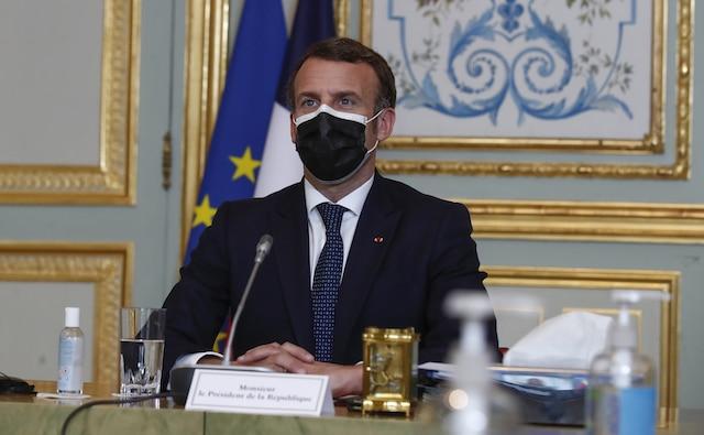 Francia anuncia cierre de escuelas y prohibición de viajes nacionales