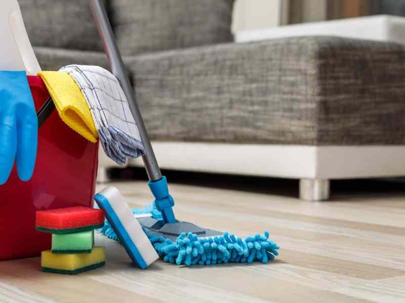 Ofrecen limpiezas gratis contra COVID-19 en hogares de Mecklenburg