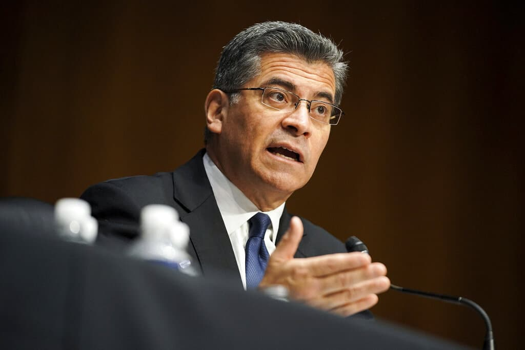 Senado confirma a latino como secretario de Salud