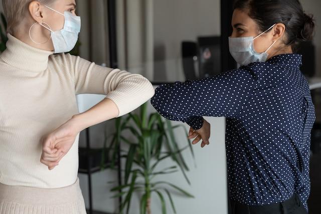 Vacunado de COVID-19 ¿Por qué debe seguir utilizando una mascarilla?