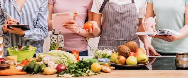 Programa de nutrición busca educar familias latinas comer más saludable