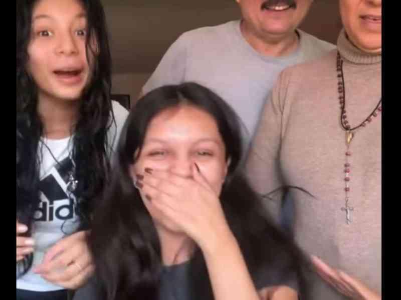 adolescente latina ivy league