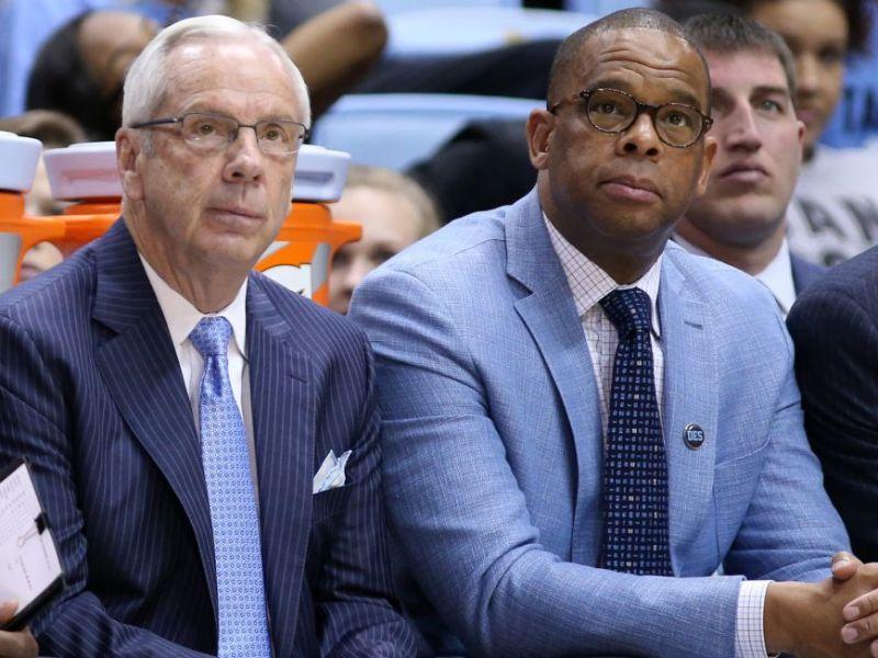 UNC selecciona Hubert Davis como su nuevo entrenador de baloncesto