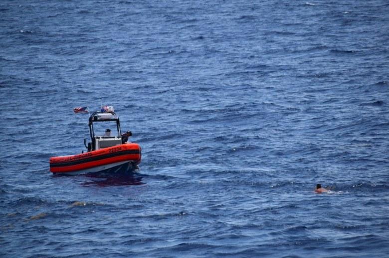 Cubanos siguen perdidos en el mar tras 40 horas de búsqueda (2)