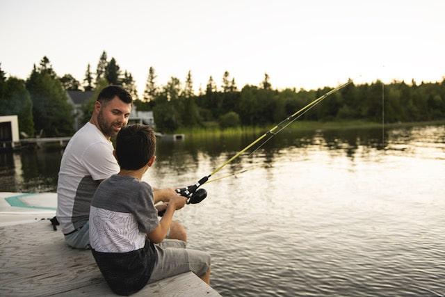 Día de pesca para niños en montañas de Carolina del Norte