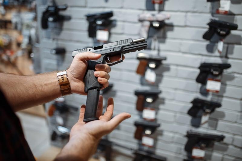 Ley que facilita comprar pistolas es aprobada por Cámara Baja de Carolina del Norte