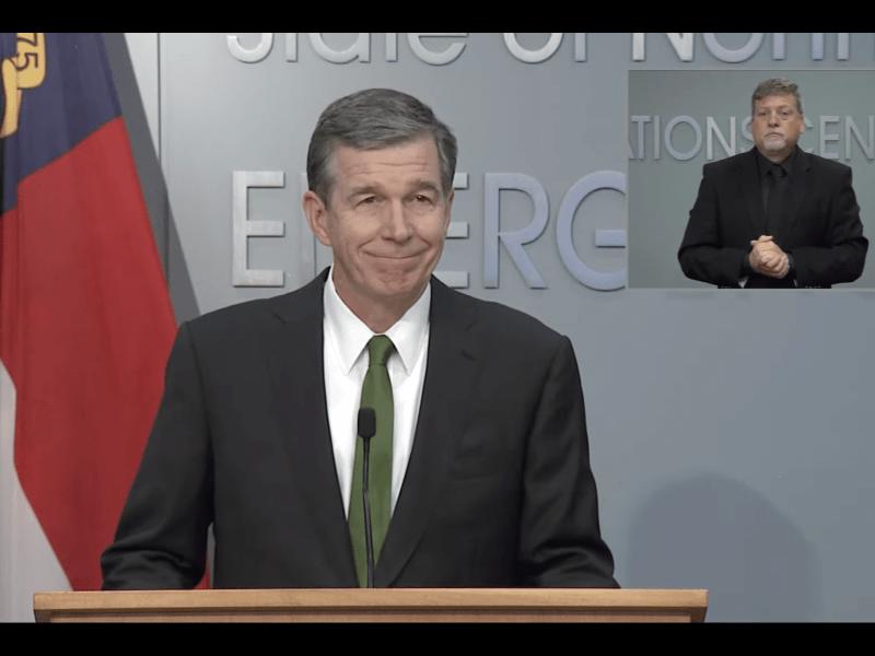 Nuevos cheques de estímulo para familias de Carolina del Norte, según propuesta del gobernador