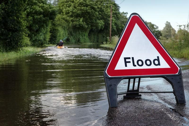 Pronósticos de inundaciones activos en Arkansas y Texas