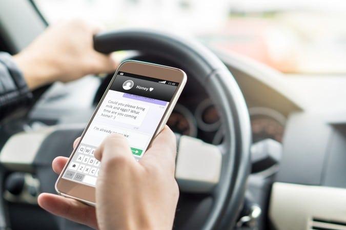 Proyecto de ley de conducción con manos libres anulado en Carolina del Norte