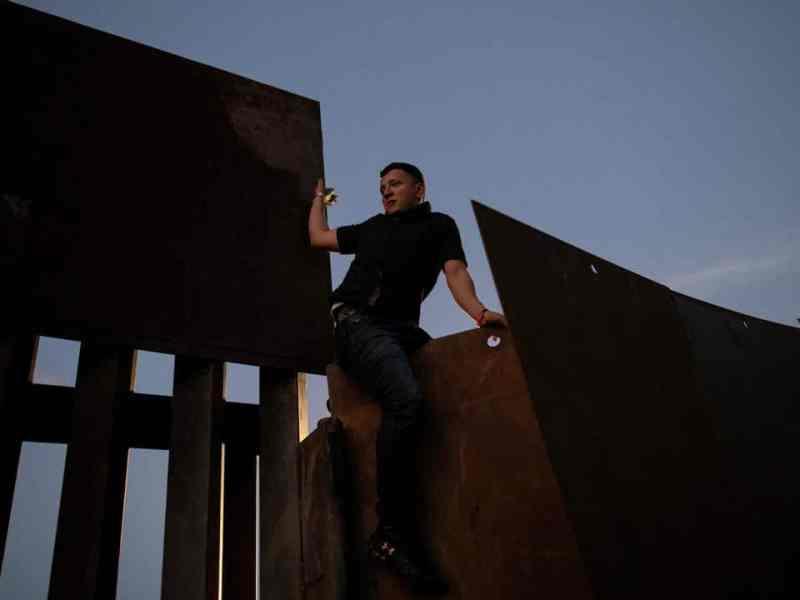 Rescataron-migrantes-heridos-muro