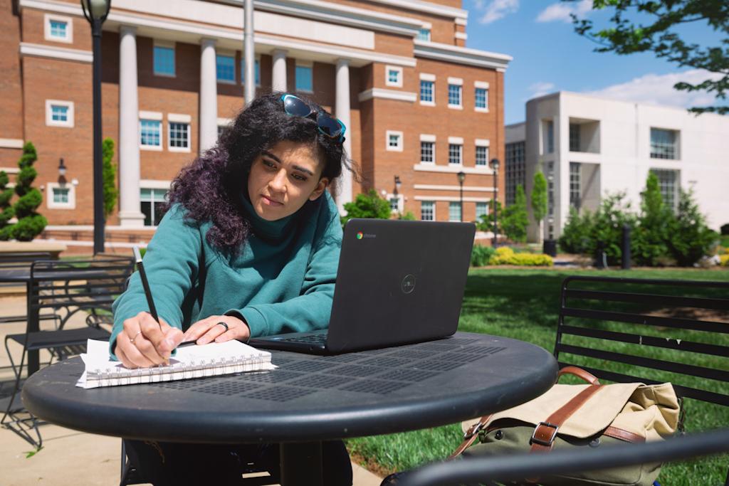Estas becas lo pueden ayudar a estudiar en el Central Piedmont Community College