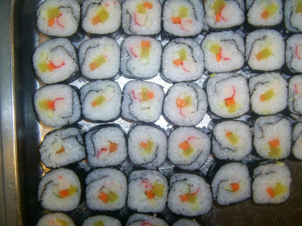 Cada 18 de junio se conmemora al plato proveniente de Asia, el platillo típico japones que combina pescado envuelto en arroz