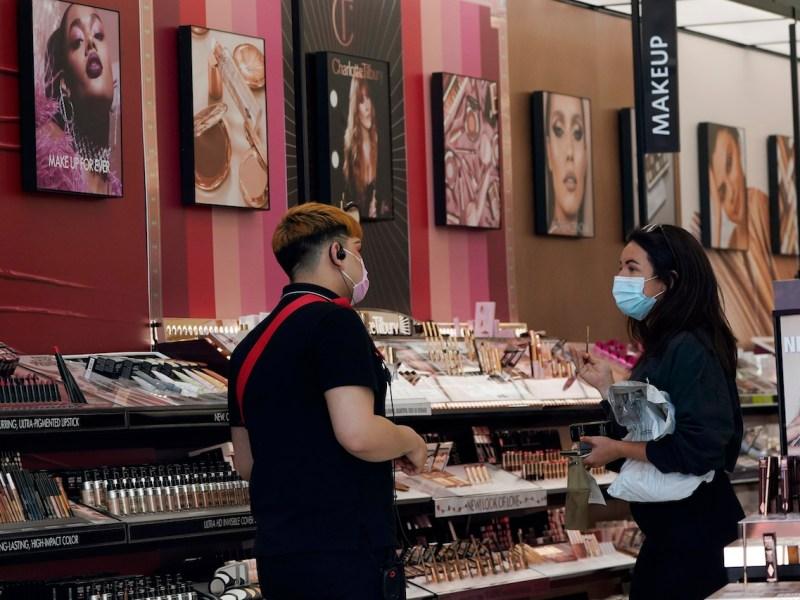 Más de la mitad de los cosméticos contienen sustancias tóxicas