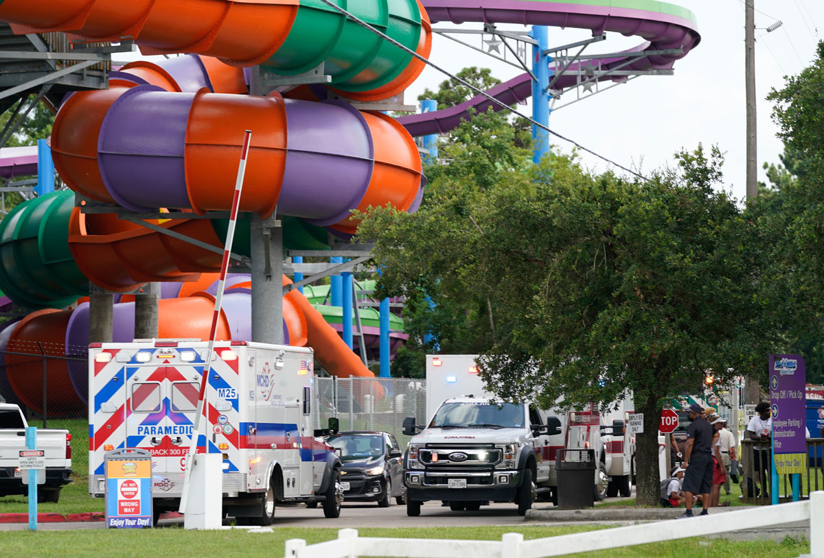 31 hospitalizados por fuga química en parque de Six Flags
