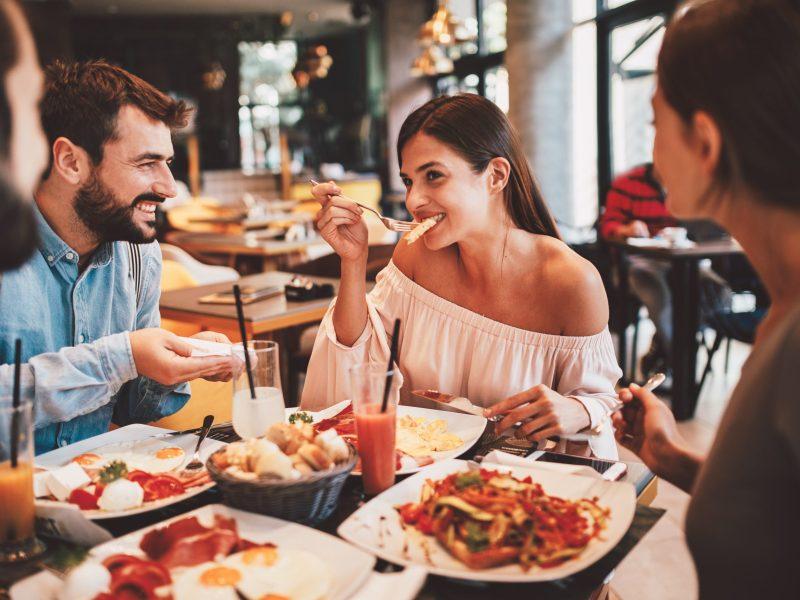 La Semana de Restaurantes regresa este mes con comidas de tres platillos de $30-35 por persona en más de 40 restaurantes. © Djile / Adobe Stock