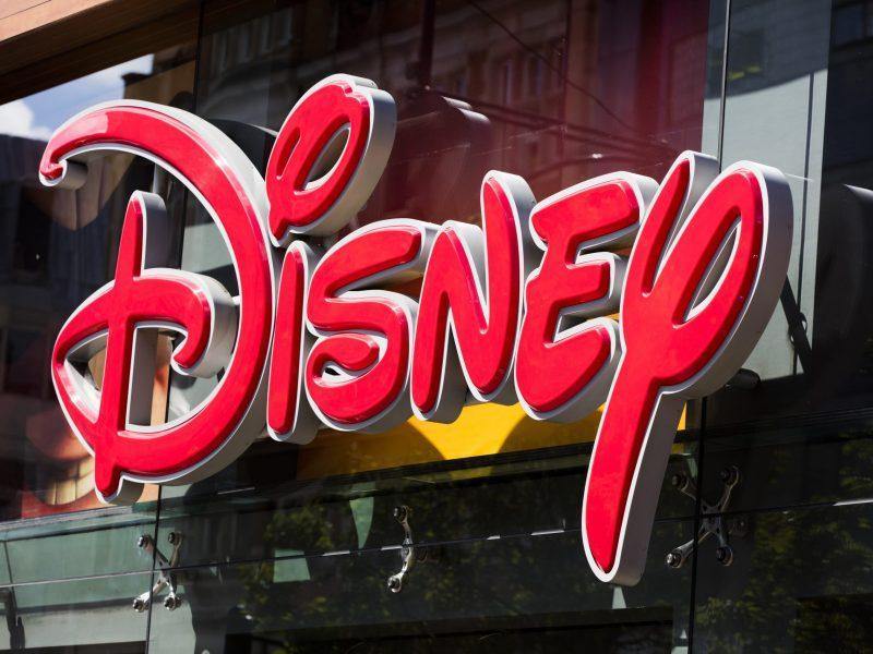 Un aumento de casos de COVID-19 en el condado de Orange en Florida puede cambiar el futuro de Disney World y Universal Studios Orlando.